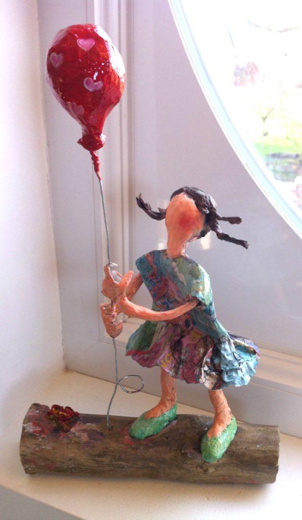 fille-au-ballon-rouge