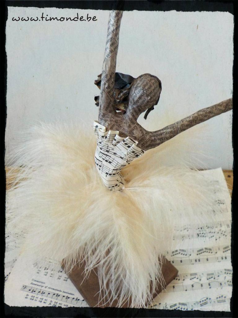 Danseuse classique plume